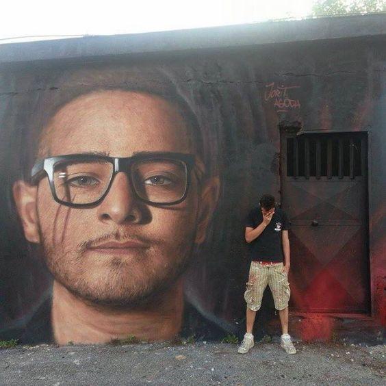 Murale di Rocco Hunt di Jorit Agoch a Napoli