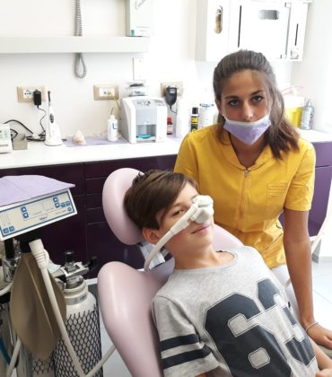 Metti un bambino dal dentista a Firenze