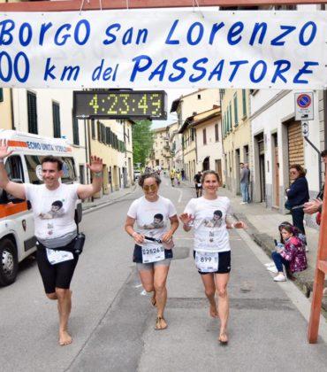 Sara Enge corre scalza i 100km del Passatore