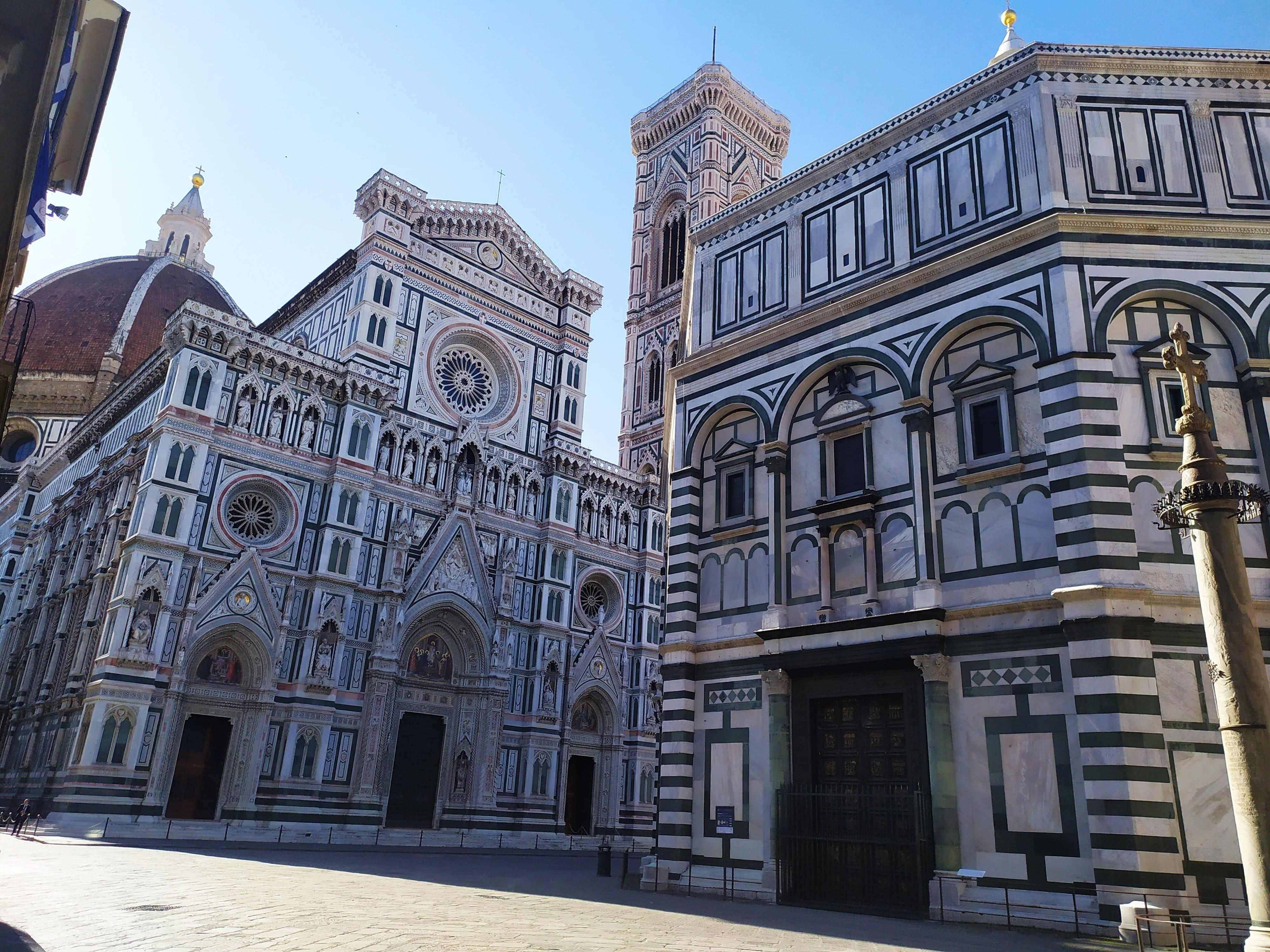 Firenze Cattedrale e Battistero in piazza del Duomo
