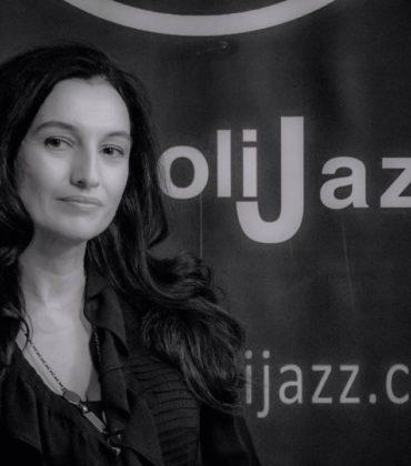 Alessandra Cafiero tra parole e musica