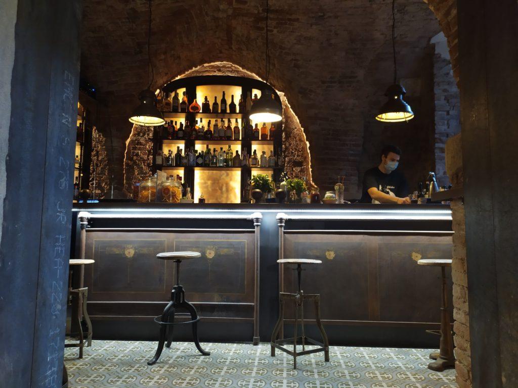 Lucca Magellano cocktail bar