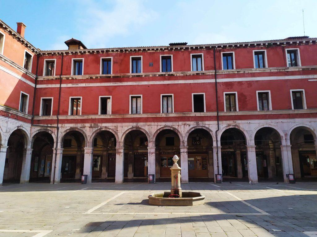 Campo San Giacomo a Venezia