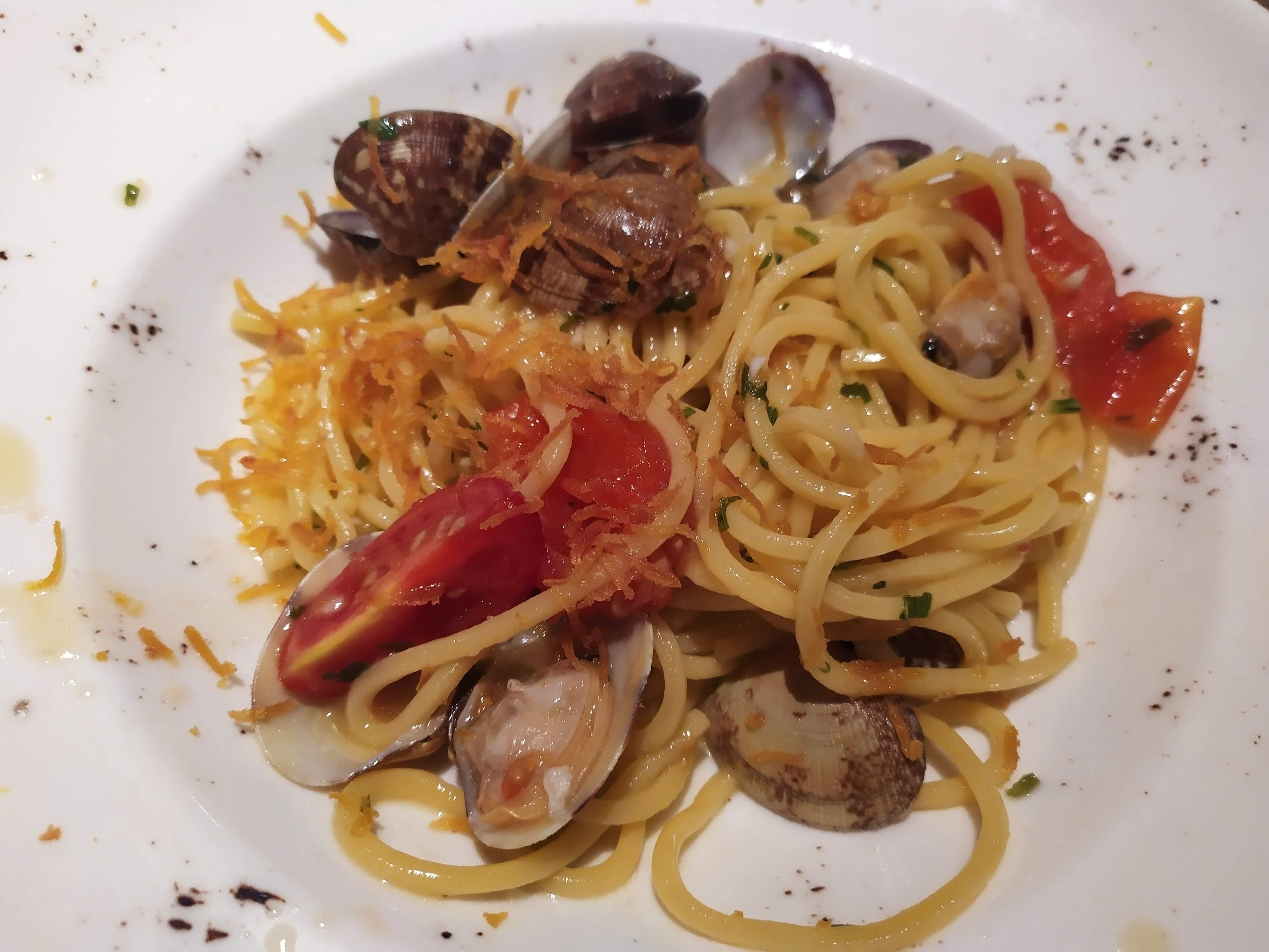 Spaghetti vongole e bottarga da Pizzaman di Rocca Tedalda