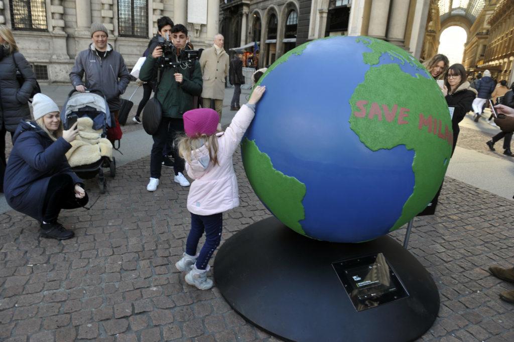 We Planet 100 Globi