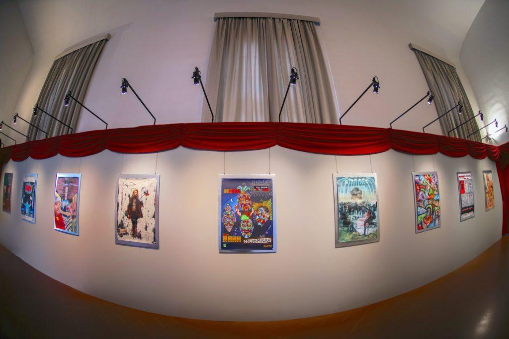 Mostra Neo Skēnḕ manifesti Teatro di Rifredi