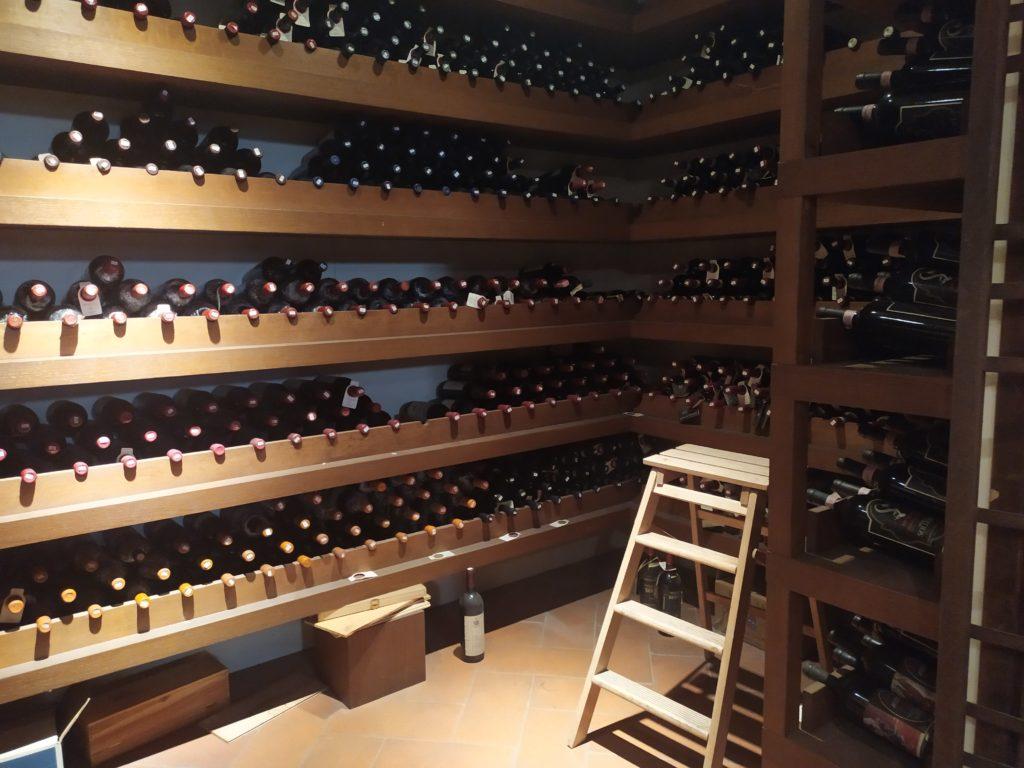 8000 vini cantina Golden View a Firenze